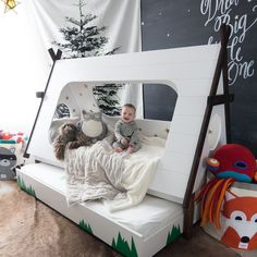 So amazing!!! This teepee bunk bed look so cozy and fun! Look how this baby happy! Cute woodland kid's bedroom!