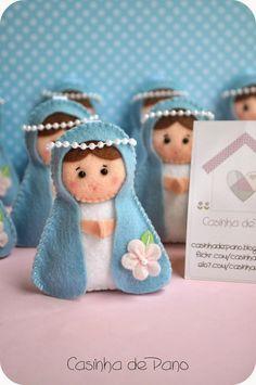 Mãezinha do céu Felt Christmas Decorations, Felt Christmas Ornaments, Christmas Crafts, Felt Crafts, Diy And Crafts, Arts And Crafts, Felt Angel, Catholic Crafts, Felt Patterns