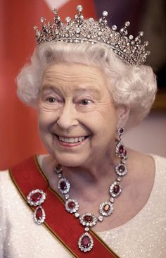 The Queen looked splendid as ever in her glittering tiara and jewellery.