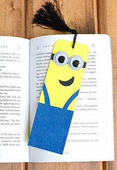 Hey, I found this really awesome Etsy listing at https://www.etsy.com/listing/245624130/minion-bookmarks-for-who-loves-reading