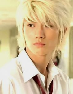 Haruma in Koizora. Blonde hair was for sure a handsome look on Haruma. He already was handsome to start with the color just brought out a different dimension of it.