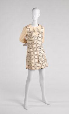 RISD Museum: Emanuel Ungaro, designer. French, b. 1933. Dress, ca. 1968. Printed wool. Center back length: 84.5 cm (33 1/4 inches). Gift of William McCue 1990.137.2