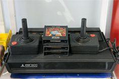 atari - http://www.cashola.com.br/blog/entretenimento/os-40-brinquedos-antigos-mais-legais-388