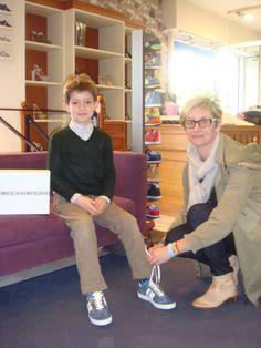 Matteo, e la mamma Luisa vivono a Parigi, ma le scarpe le comprano a Poggio a Caiano!!