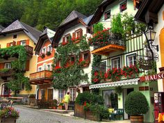 Beautiful Houses In Hallstatt, Austria Salzkammergut, Austria (by  Jurek.georg).