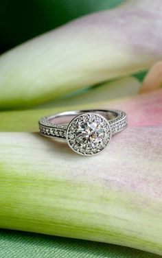 This gorgeous antique-style ring is truly dazzling.