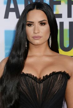 Demi Lovato's close-up at the 2017 American Music Awards in Los Angeles