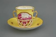 Trembleuse A special cup for chocolate drinks, created in the early eighteenth century to prevent the beverage from spilling