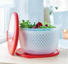 """Tupperware Spinning Chef  £ 37.40 //  gets rid of the water so your sauce can stick to the leafs! Jamie Oliver recommends using one, listen """"how to make the perfect salad on youtube"""". via Tupperware UK"""