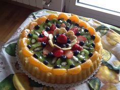 Crostata con base morbida e frutta fresca