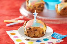 Birthday Tie-Dye Cupcakes Recipe Tie Dye Cupcakes, Chips Ahoy, Muffin Cups, Cake Batter, Cupcake Recipes, Birthday Candles, Baking, Food, Bread Making