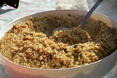 La fregula si presta perfettamente a questi piatti per la sua capacità di trattenere il sapore dei suoi condimenti. Con i funghi porcini si trasforma in una vera bontà