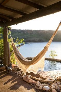 Outdoor Living Hammock Chris Court