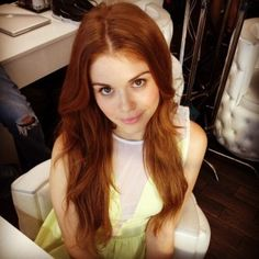 Holland Roden on the set of Teen Wolf. Gorgeous Redhead, Beautiful Ladies, Lydia Martin, Red Hair Color, Strawberry Blonde, Celebs, Celebrities, Teen Wolf, Redheads