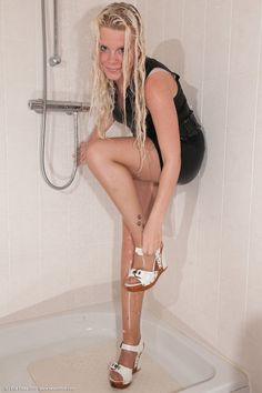 Wet Pantyhose - http://sexypantyhose.nyloncelebs.com/wet-pantyhose-pictures-of-beautiful-women-in-wet-pantyhose-09/