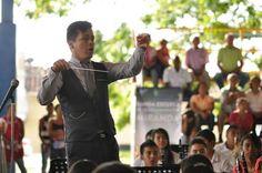 Director de la Escuela de Música, Maestro Iván Mena.