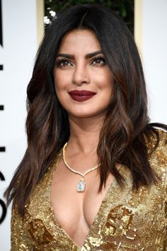 Makeup, Beauty, Hair & Skin | Priyanka Chopra Brought Grunge Lips to the Golden Globes Red Carpet | POPSUGAR Beauty