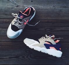 Simple Nike Frees Shoes are a must have for every active girl's wardrobe Nike Huarache Women, Nike Shoes Huarache, Nike Sneakers, Nike Shox, Air Huarache, Nike Flyknit, Haraches Shoes, Me Too Shoes, Cute Shoes