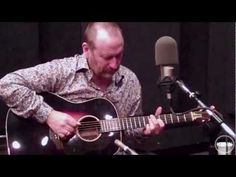 "Colin Hay ""Send Somebody"" Live at KDHX 5/04/11 (HD)"