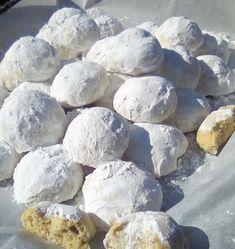 Greek Sweets, Greek Desserts, Greek Recipes, Greek Cookies, Yummy Cookies, Greek Pastries, Vegan Carrot Cakes, Pastry Cake, Christmas Cookies
