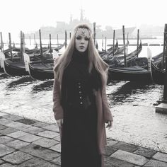 3:55 wake up 5:30 start shooting at Marcus place with a beautiful sunrise  can I stay forever plzz??  #tiredasfuuuuck #tiamo #venezia #workshop #makeup #artist #civilgoth by zara_axeronias