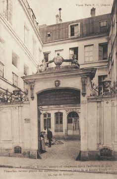 rue de Sévigné - Paris 3ème/4ème caserne des sapeurs pompiers ?