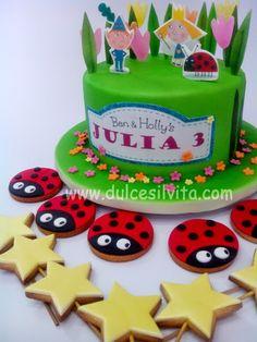ben y holly fiesta 3rd Birthday Cakes, Girl 2nd Birthday, Rainbow Birthday, Birthday Cookies, 3rd Birthday Parties, Ben And Holly Party Ideas, Ben And Holly Cake, Ben E Holly, Fairy Garden Cake
