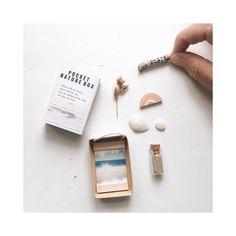 "O H  Y E A H  W O O D on Instagram: ""SO cute! Take the sea with you wherever you go... #pocketnaturebox #matchboxart #pocketbox #zeeland #beach #ohyeahwood #terracottarainbow…"" Matchbox Art, Photo On Wood, Wood Print, Terracotta, Rainbow, Sea, Cute, Prints, Instagram"