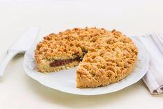 La sbriciolata alla Nutella è una torta supergolosa, che nasconde un ripieno dolce e morbido. Una ricetta con pochi ingredienti facile e veloce da preparare!