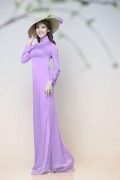 Hoa hậu Việt Nam 2012 khoe vẻ đẹp trong sáng, dịu dàng trong bộ ảnh quảng bá cho Lễ hội Áo dài. - VnExpress Giải Trí