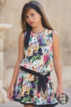 Look+de+Artesanía+Amaya   MOMOLO Street Style Kids :: La primera red social de Moda Infantil Little Girl Outfits, Little Girl Fashion, Kids Outfits, Baby Girl Dresses, Baby Dress, Cute Dresses, Tween Mode, Kids Frocks, Tween Fashion