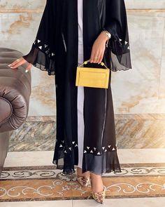 Abaya by Abaya Fashion, Modest Fashion, Fashion Dresses, Girl Fashion, Mode Abaya, Mode Hijab, Muslim Girls, Muslim Women, Black Abaya