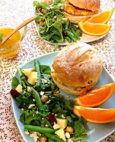 オムレツサンド&オレンジドレッシングサラダ