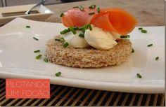 Receita de canapé de salmão e cream cheese para você arrasar!