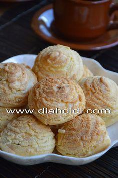 Diah Didi's Kitchen: Step By Step Membuat Sus Ala Jepang Indonesian Desserts, Asian Desserts, Indonesian Food, Roti Canai Recipe, How To Make Cake, Food To Make, Donuts, Cookie Recipes, Dessert Recipes