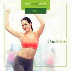 Quema calorías, tonifica tu cuerpo y diviértete con esta técnica de ejercicio cardiovascular. ¡Vive saludable, vive feliz! http://enforma.salud180.com/nutricion-y-ejercicio/10-beneficios-del-zumba