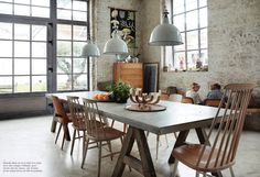 Waffle factory turn to home, and it's beautiful.  Look at those windows. Vivir en una fábrica de waffles #home #factory #interior #windows