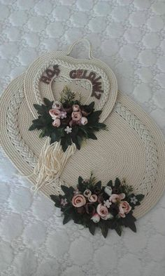 – DIY Home Decor Hobbies And Crafts, Diy And Crafts, Rope Rug, Sewing Machine Projects, Jute Crafts, Grey Rugs, Small Rugs, Patch, Fabric Flowers