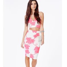 Neon palm tree co ord Top is size small / skirt size small. I have C cup and the top barely fits me. I just recently purchased the skirt from anther posher & never wore it but it's in good condition, the band at the top bends weird but it's not visible . Form fitting & cute! Feel free to ask questions Boohoo Dresses Midi