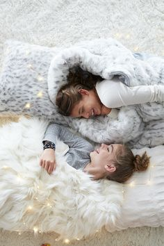 Bundle up with your best friends n the best faux-fur throws. We're talking so-soft-you-won't-believe-it type of throws!
