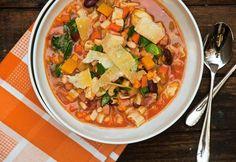 9 masszív és tartalmas leves, amit megköszön majd a gyomrod Fusilli, Pcos, Anna, Thai Red Curry, Soup Recipes, Sweet Potato, Potatoes, Meals, Dishes