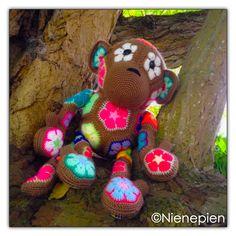 Ravelry: Monk the African Flower Monkey pattern by Nina Tearney Crochet Crafts, Crochet Dolls, Crochet Yarn, Crochet Flowers, Crochet Projects, Granny Square Crochet Pattern, Crochet Patterns, African Flower Crochet Animals, Monkey Pattern