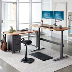 Home Office Setup, Home Office Space, Home Office Desks, At Home Office Ideas, Men Office, Bureau Design, Electric Standing Desk, Standing Desks, Best Standing Desk