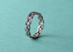 woven wire ring: so cute! Wanna try and make this myself