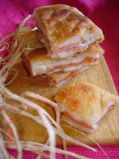 Focaccia del nonno ripiena di prosciutto e formaggio