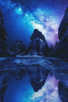 Reflected milky way, Saudi Arabia . Such a beautiful picture love the stars and scenery ^_^ ♥ Beautiful Sky, Beautiful Landscapes, Beautiful World, Beautiful Places, Simply Beautiful, Landscape Photography, Nature Photography, Mirror Photography, Landscape Photos