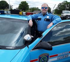 PoliceOne News - Photo of the Week: Old school cruising: This week's photo comes from Officer Jason Knox of the Houston Police… - View Houston Police, Police Activities, Law Enforcement Agencies, Emergency Vehicles, Photos Of The Week, Police Cars, Public Relations, Pictures Of You, Cops