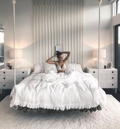 40 Amazing Floating Bed Design and Decorating Ideas For Sleeping Like In The Sky - Schlafzimmer Decor Room, Living Room Decor, Bedroom Decor, Home Decor, Ikea Bedroom, Bedroom Ideas, Bedroom Storage, Ikea Decor, Dining Room
