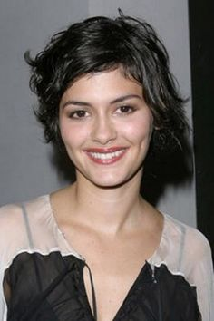 Audrey Tautou - Transformation - Beauty - Celebrity Before and After Audrey Tautou, Audrey Hepburn, Pixie Hairstyles, Cute Hairstyles, Pixie Haircuts, Pelo Pixie, Look 2018, French Actress, Hair Pictures