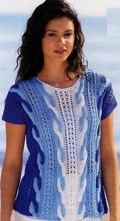 Image may contain: 1 person, standing Cable Knitting, Sweater Knitting Patterns, Knitting Stitches, Knitting Designs, Knit Patterns, Freeform Crochet, Knit Crochet, Crochet Books, Pull Torsadé